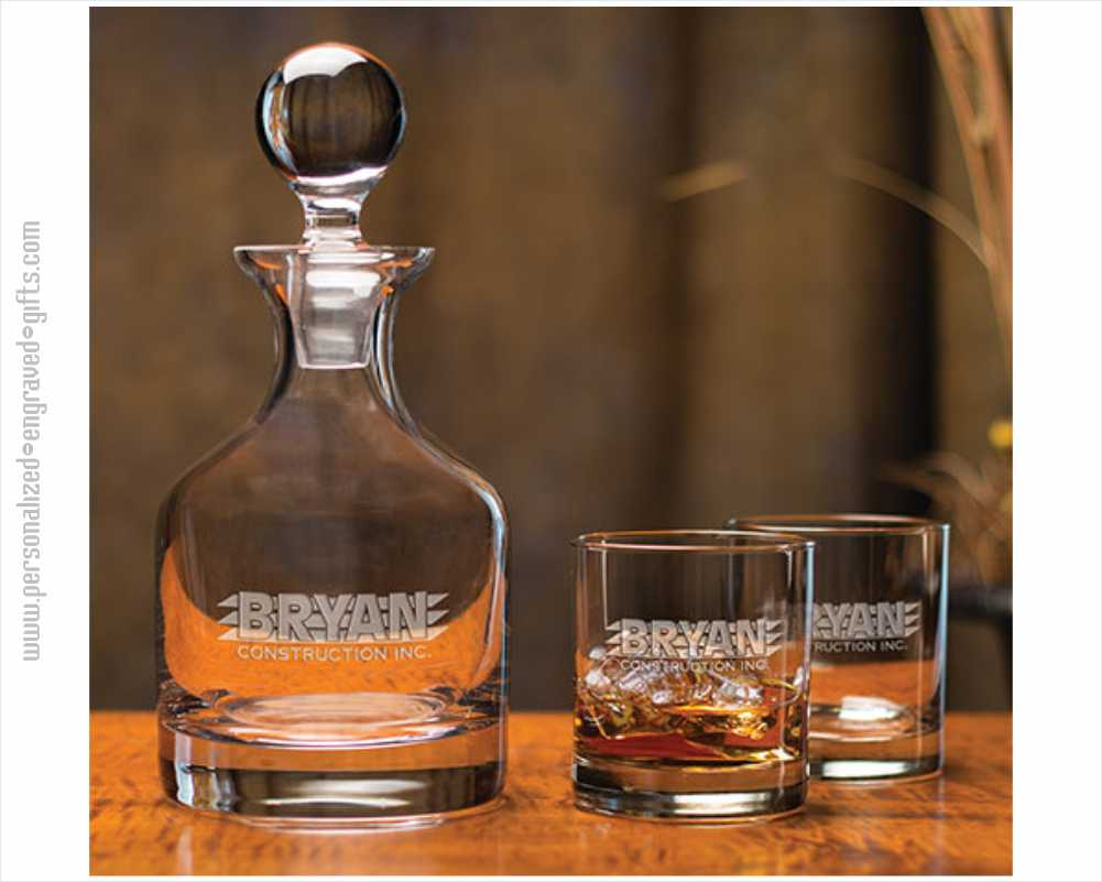 Personalized Crystal Whiskey Classico Decanter with 2 Glasses