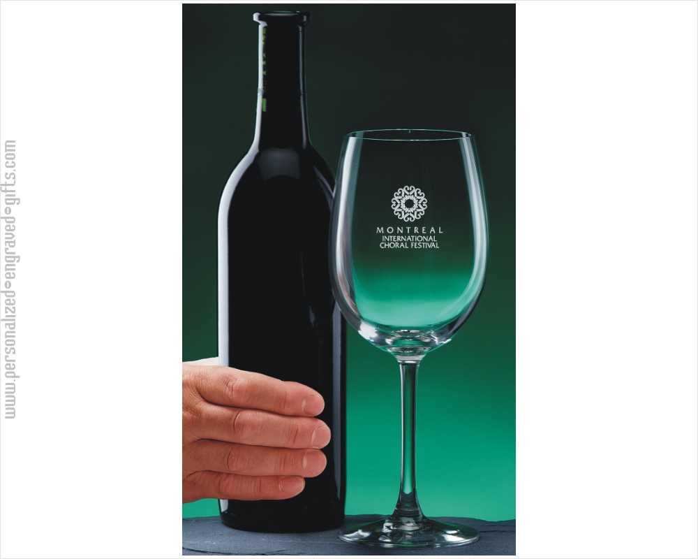 Engraved 19oz  Colossal Wine Glass