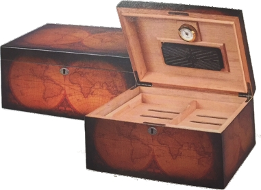 Engraved World Humidor Open